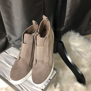 Shoes - Wedge Sneaker Taupe🌟PRICE FIRM, NO OFFERS